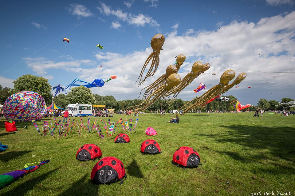 Inzameling Internationaal Vliegerfestival Emmen